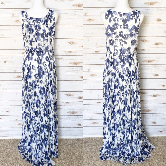 900fe4e239e77 Eliza J Dresses & Skirts - Eliza J Pleated Floral Maxi Dress